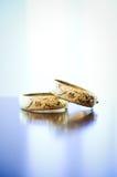 Bracelete do casamento do ouro do chinês tradicional Fotografia de Stock