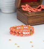 Bracelete frisado coral Imagem de Stock
