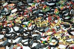 Bracelets africains de bras d'art Photographie stock libre de droits