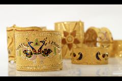 Bracelets antiques d'or photo libre de droits
