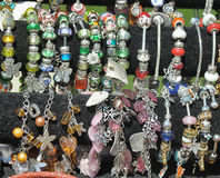 Bracelets avec des charmes Image libre de droits