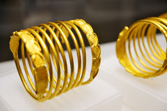 Bracelets d'or de Dacian Image stock