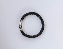 Bracelets de cuir de style de roche d'isolement sur le blanc Image libre de droits