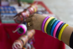 Bracelets en plastique Photo stock