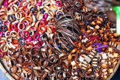 Bracelets et anneau en bois de perle Image libre de droits