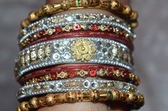 Bracelets indiens de main Photographie stock