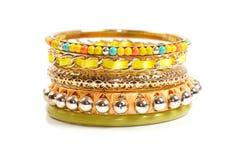 Bracelets sur le blanc Photo stock