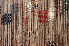 Bracelets tissés de chanvre avec des perles Photo stock