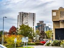 Bracknell, Berkshire Inglaterra 12 de outubro de 2018: Centro de cidade e construções novas que incluem o léxico e planos novos foto de stock royalty free