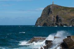 Bradda-Kopf und Milners Turm am Hafen Erin in Isle of Man Stockbilder