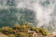 Bradend Pan Lake in Waimangu Stock Foto