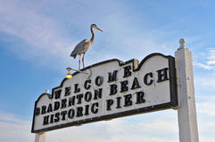 Bradenton-Strand historischer Pier Sign Lizenzfreies Stockfoto