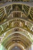 Bradford en Avon, Reino Unido - 12 de agosto de 2017: El tejado del granero de diezmo, un granero de piedra monástico medieval de Imagen de archivo libre de regalías