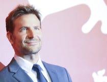 """Bradley Cooper assiste """"ad una stella è sopportato fotografia stock libera da diritti"""