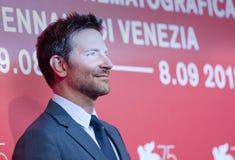 """Bradley Cooper assiste """"ad una stella è sopportato immagini stock libere da diritti"""