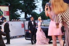 Bradley Cooper e signora Gaga immagini stock