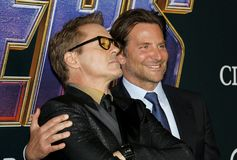 Bradley Cooper en Robert Downey Jr stock foto