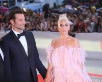Bradley Cooper L y señora Gaga foto de archivo libre de regalías