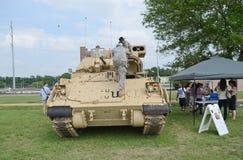 Bradley Fighting Vehicle-vertoning royalty-vrije stock fotografie