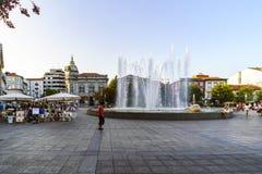 Braga, Portugal 14 augustus, 2017: Fontein van de plaats van de republiek royalty-vrije stock fotografie