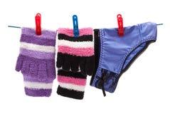 Bragas y calcetines en cuerda Imagenes de archivo
