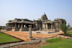 Brahma Jinalaya Jain tempel Lakkundi i det Gadag området av Karnataka Fotografering för Bildbyråer