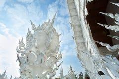 Brahma stuckatur på Wat Rong Khun royaltyfria bilder