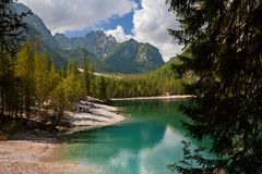 Braies湖, Lago di Braies,白云岩阿尔卑斯,贝卢诺,意大利 图库摄影