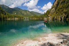 Braies湖, Lago di Braies,白云岩阿尔卑斯,贝卢诺,意大利 库存照片