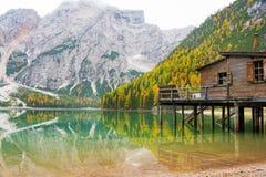 Braies do lago em Tirol sul, Italia Fotografia de Stock