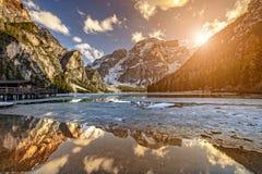 Braies jezioro w Włochy Zdjęcie Stock