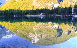 Braies lake and house in the background of Seekofel mountain. In Dolomites,Italy Pragser Wildsee stock photos