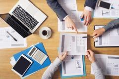 'brainstorming' επιχειρηματιών Στοκ Εικόνες