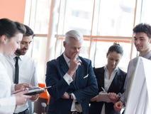 'brainstorming' ομάδας επιχειρηματιών Στοκ Εικόνες