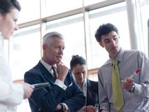 'brainstorming' ομάδας επιχειρηματιών Στοκ Εικόνα