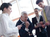 'brainstorming' ομάδας επιχειρηματιών Στοκ Φωτογραφία