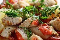 Braised филе цыпленка с сквошом и болгарским перцем Стоковые Изображения