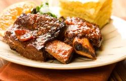 braised nötkött ribs kryddigt Fotografering för Bildbyråer