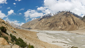 Braldu River Valley, Karakorum berg, Pakistan Arkivfoto