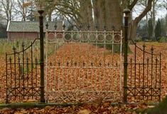 Brama cmentarz Zdjęcia Royalty Free