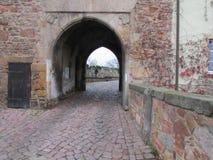 Brama królewski kasztel w kamieniarzie fotografia stock