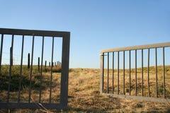 brama otwarta Zdjęcia Royalty Free