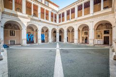 Bramante-` s Kloster in Santa Maria della Pace, barocke Kirche nahe Marktplatz Navona, stockbild