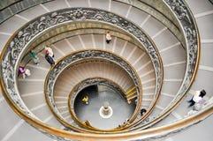Bramante Trappuppgång Gradera di Bramante i Vaticanenmuseum arkivbilder