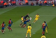 Bramkarz Valdes łapie piłkę Zdjęcie Royalty Free