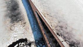 Bramy dla statków na rzece, powietrzny materiał filmowy zdjęcie wideo