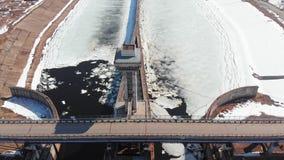 Bramy dla statk?w na rzece, powietrzny materia? filmowy zdjęcie wideo