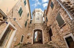 Bramy stary miasteczko Herceg Novi i Sahat Kulal, Monten fotografia stock