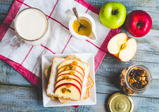 Bran toast with cheese, apple and dried fruits, healthy breakfas Royalty Free Stock Photos