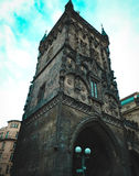 Brana Prasna, πύργος σκονών Αρχαίο κτήριο στην Πράγα Στοκ εικόνα με δικαίωμα ελεύθερης χρήσης